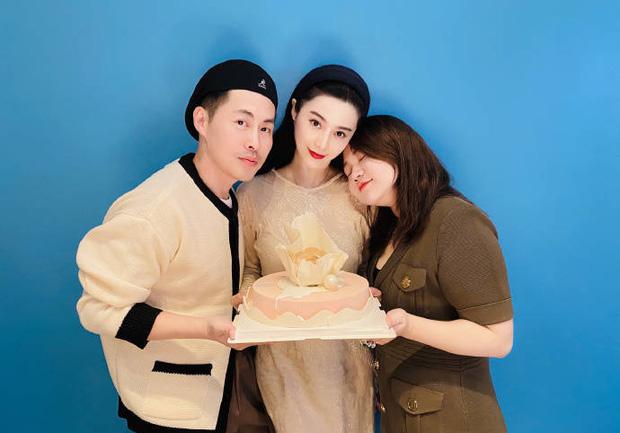 Quản lý quyền lực Cbiz hé lộ tiệc sinh nhật tuổi 40 của Phạm Băng Băng, nhan sắc nữ thần ra sao sau bao thăng trầm? - Ảnh 4.