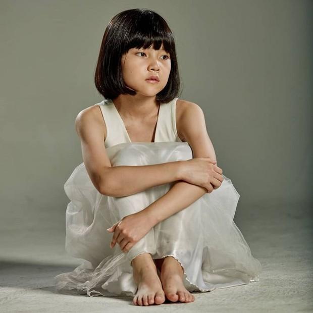 """Sao nhí """"át vía"""" Kim Yoo Jung khiến netizen phát sốt vì visual cực phẩm: 13 tuổi đã đóng 14 phim còn ẵm luôn cả giải thưởng lớn - Ảnh 8."""
