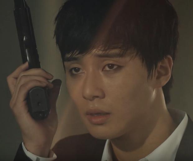 Ai còn nhớ nụ cười giả trân và kẻ mắt đen sì của Park Seo Joon trong MV idol đối thủ BTS 1 thời giờ chắc đẻ mấy lứa rồi! - Ảnh 4.