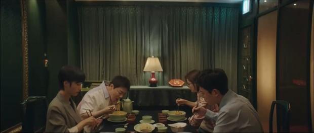 4 điều tiếc hùi hụi ở tập cuối Hospital Playlist 2: Buồn nhất loveline đôi Bồ Câu, con cưng của Ik Jun - Song Hwa lại mất hút! - Ảnh 10.