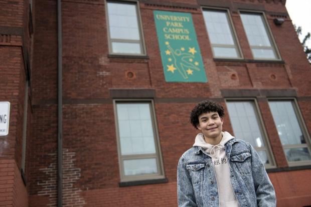 Khủng hoảng giáo dục ở Mỹ khi một thế hệ nam sinh từ bỏ đại học: Làm sao có thể bỏ mặc gia đình khó khăn để tiếp tục học lên cao? - Ảnh 1.