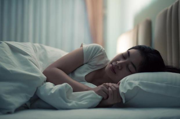 4 biểu hiện lạ khi ngủ cho thấy gan đang kém, xem thử bạn có gặp phải điều nào không - Ảnh 3.
