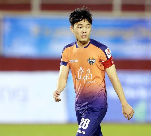 Văn Lâm và vận đen chấn thương đeo bám cầu thủ Việt Nam ra nước ngoài thi đấu - Ảnh 3.