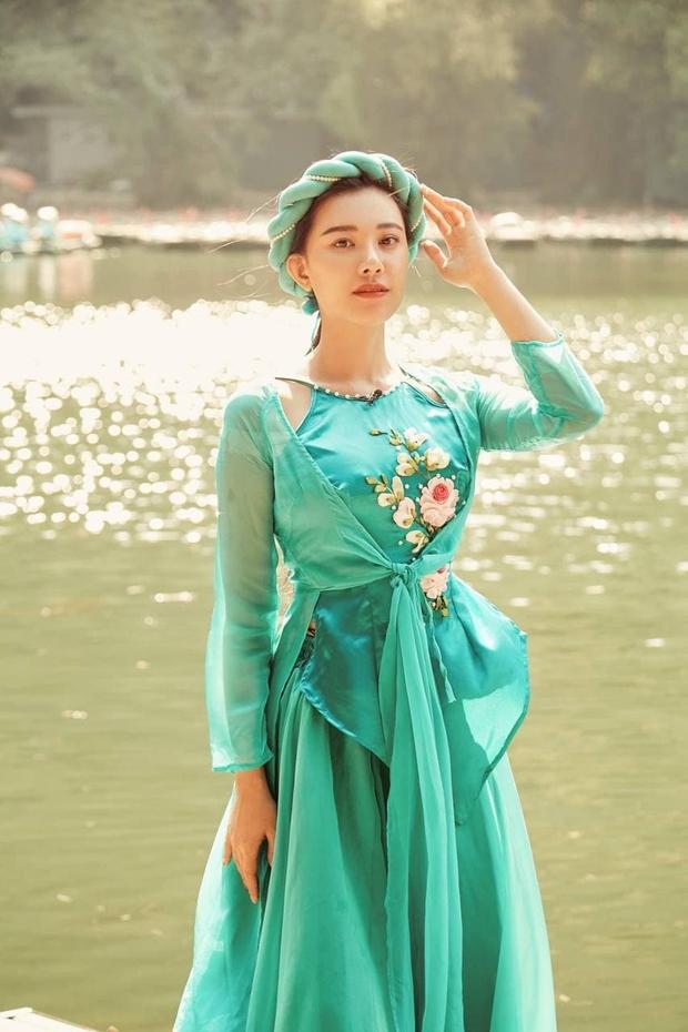 Màn nhắc bài đi vào lòng đất của Á hậu Kim Duyên trên truyền hình: Bước tới... đèo Hải Vân bóng xế tà - Ảnh 2.