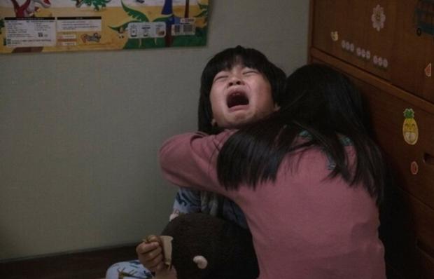 Mẹ kế giết con chồng, ép chị gái 10 tuổi nhận tội thay: Vụ án rúng động xứ Hàn lên phim, bóc trần pháp luật đầy lỗ hổng - Ảnh 4.