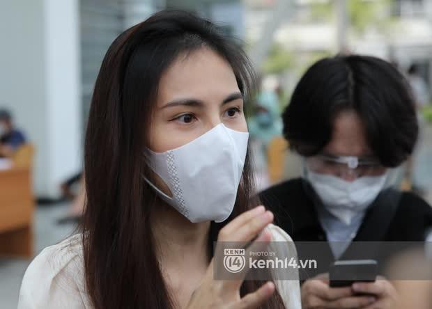 Mẹ ruột Thuỷ Tiên có động thái gây chú ý khi con gái livestream sao kê 177 tỷ đồng tại Vietcombank - Ảnh 3.