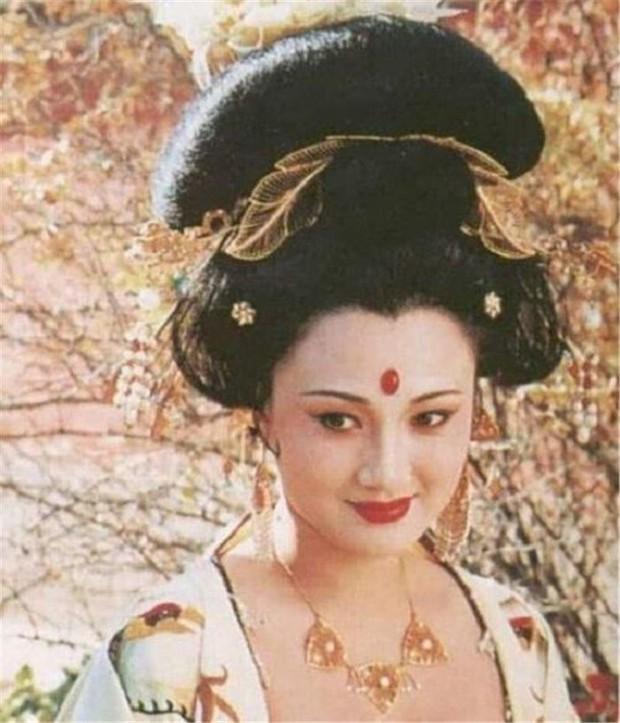 """Chuyên gia phục dựng hình ảnh thực tế của Dương quý phi, dân mạng cảm thán """"khó trách Hoàng đế từ bỏ giang sơn vì nàng"""" - Ảnh 7."""