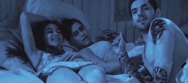 Cực sốc: 3 cặp đôi sex ồn ào, bất chấp giữa phòng ngủ tập thể Too Hot To Handle Latin - Ảnh 3.