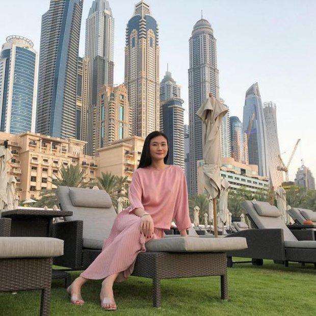 Cuộc sống như bà hoàng của Á quân Vietnams Next Top Model tại Dubai: Ở nhà 23 tỷ, thuê giúp việc 17 triệu, đi du lịch đều đều - Ảnh 7.
