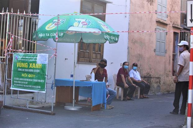 Sơn Trà trở thành quận xanh thứ 2 ở Đà Nẵng, toàn thành phố chỉ còn 38 điểm phong tỏa cứng - Ảnh 2.
