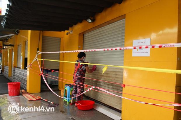Người Sài Gòn rần rần đặt đồ ăn online: Quán xá chuẩn bị hàng trăm đơn, shipper hoạt động hết công suất mới kịp giao cho khách - Ảnh 32.