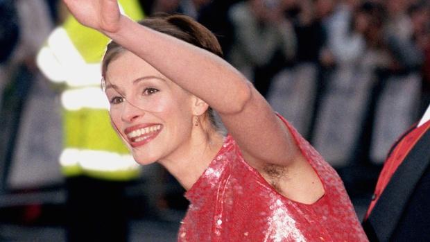 Đại minh tinh Hollywood nổi tiếng khiến nhiều người hoảng hốt khi giơ cánh tay lên - Ảnh 9.