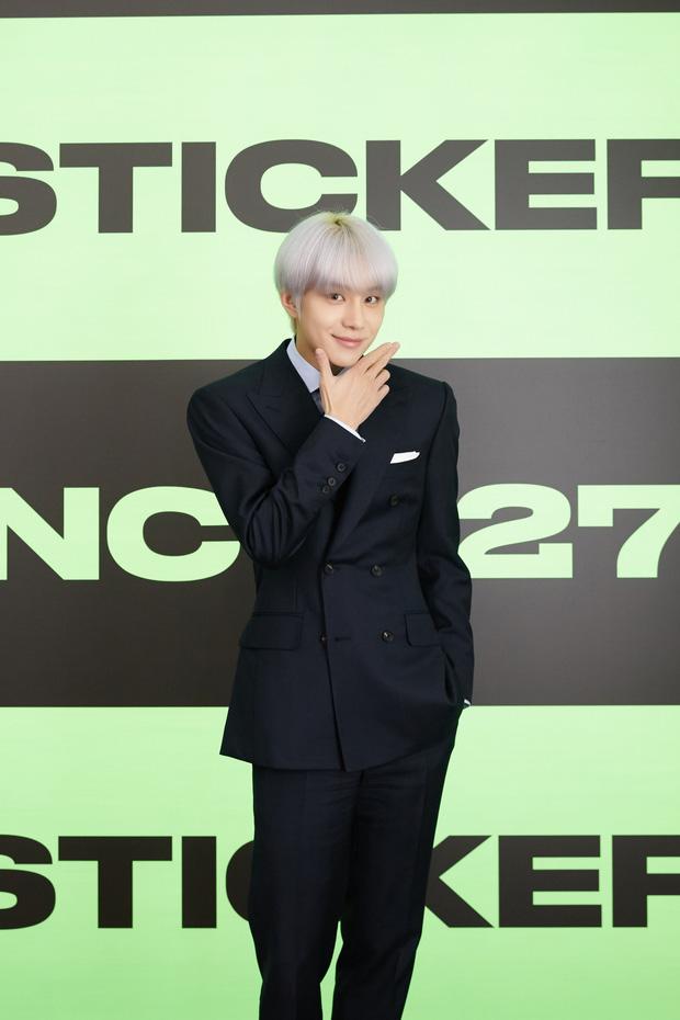 NCT 127 chiêu đãi cả bữa tiệc visual nhưng vẫn có 1 đặc sản khiến netizen phải hoang mang - Ảnh 13.