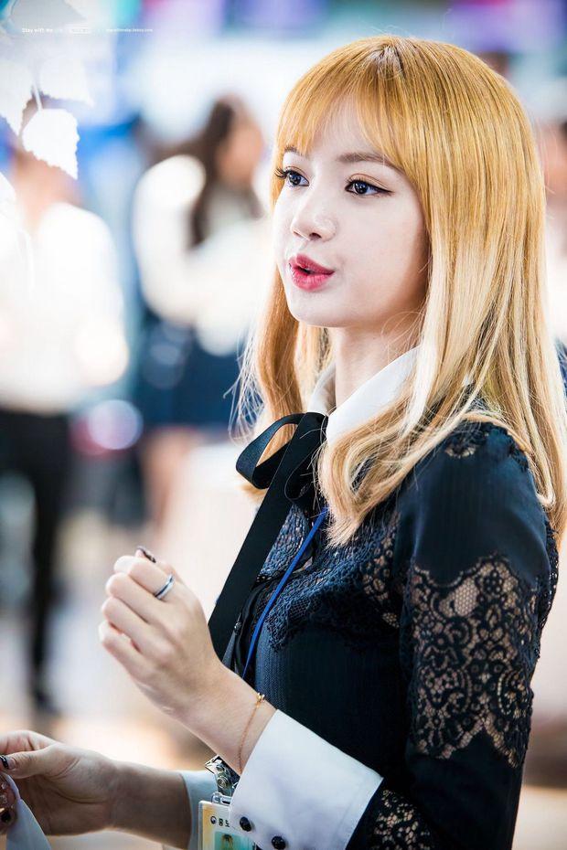 Hội nữ idol Thủy thủ Mặt Trăng của Kpop: Lisa được lấy làm thước đo, thành viên hậu bối dù visual gây tranh cãi vẫn được kết nạp - Ảnh 14.