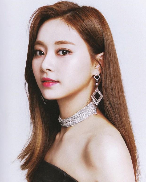Hội nữ idol Thủy thủ Mặt Trăng của Kpop: Lisa được lấy làm thước đo, thành viên hậu bối dù visual gây tranh cãi vẫn được kết nạp - Ảnh 29.
