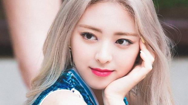 Hội nữ idol Thủy thủ Mặt Trăng của Kpop: Lisa được lấy làm thước đo, thành viên hậu bối dù visual gây tranh cãi vẫn được kết nạp - Ảnh 9.