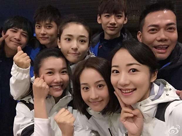 Show Trung Quốc bị lên án vì bắt người chơi ăn giun sống, uống… nước tiểu của chính mình - Ảnh 1.