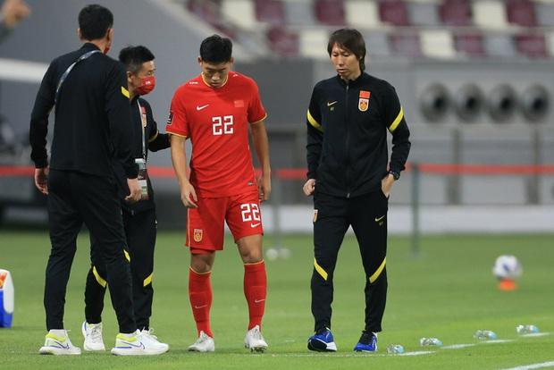Đối thủ của tuyển Việt Nam phải tập nặng, mệt đến mức không muốn nói nửa lời - Ảnh 2.