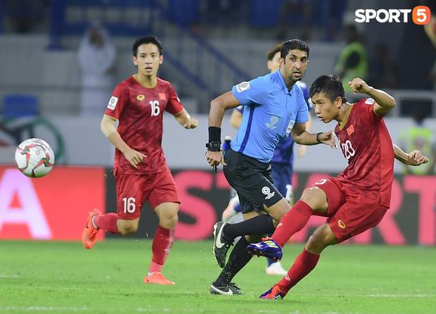 Tổ trọng tài người UAE bắt trận Trung Quốc đấu Việt Nam - Ảnh 3.