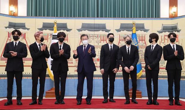 Những đặc quyền khủng BTS nhận được khi có hộ chiếu ngoại giao - Ảnh 1.