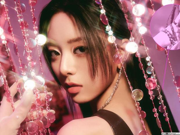 Hội nữ idol Thủy thủ Mặt Trăng của Kpop: Lisa được lấy làm thước đo, thành viên hậu bối dù visual gây tranh cãi vẫn được kết nạp - Ảnh 10.