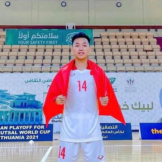 Cầu thủ sinh năm 1998 tung cú sút mang về 500 triệu cho tuyển futsal Việt Nam, và mở ra cơ hội tiến xa tại World Cup 2021 - Ảnh 4.