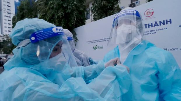 Hơn 30 sao Việt và 2 nghệ sĩ F0 xuất hiện trong MV của Châu Đăng Khoa và Sofia, cùng lan toả thông điệp tích cực giữa dịch bệnh - Ảnh 7.