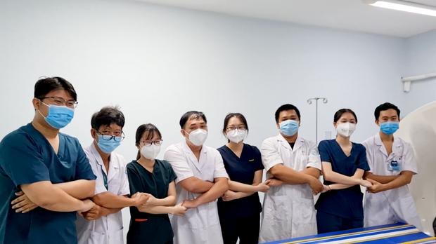 Hơn 30 sao Việt và 2 nghệ sĩ F0 xuất hiện trong MV của Châu Đăng Khoa và Sofia, cùng lan toả thông điệp tích cực giữa dịch bệnh - Ảnh 3.