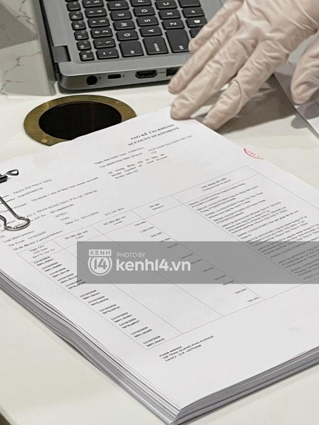 Cận cảnh chồng thùng giấy chứa 18.000 tờ sao kê 177 tỷ kêu gọi cứu trợ miền Trung của vợ chồng Thuỷ Tiên - Công Vinh! - Ảnh 5.