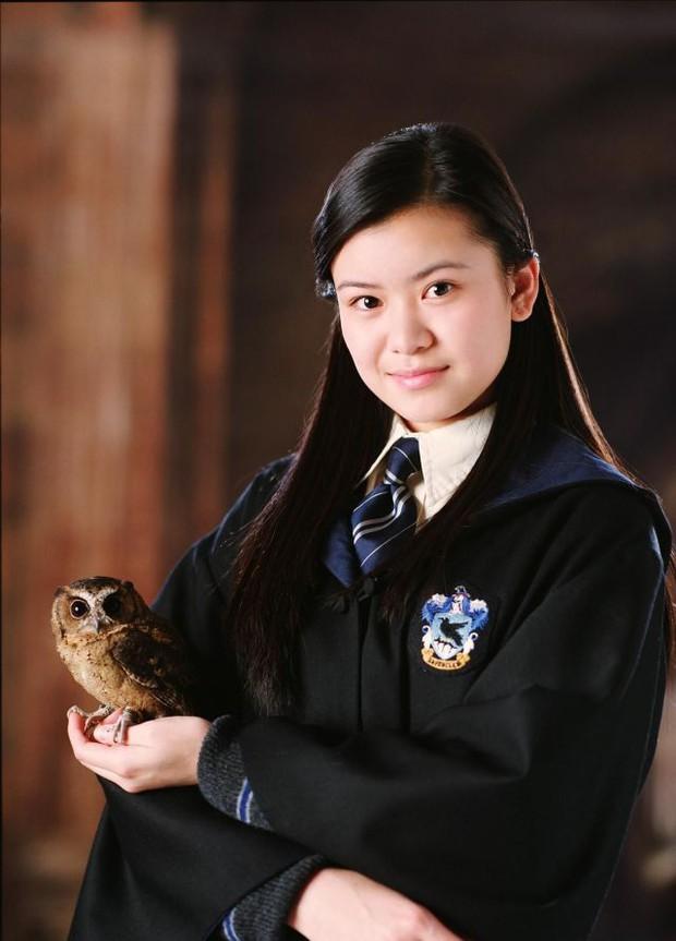 Mỹ nhân tình đầu của Harry Potter dậy thì ngầu bá cháy sau nhiều năm, bằng tuổi Triệu Lệ Dĩnh nhưng sự nghiệp có bùng nổ tương tự? - Ảnh 3.