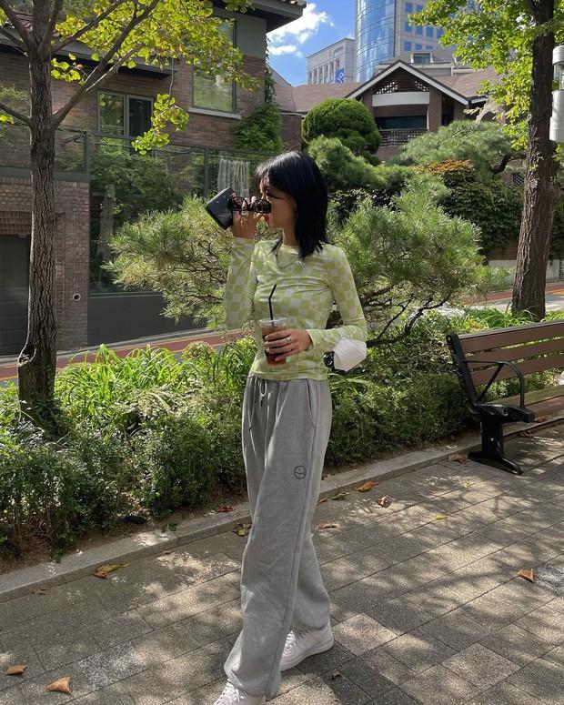 Gái Hàn lên đồ mùa thu trông yêu thế, biến tấu đa dạng với đủ loại trang phục nhìn mà ưng cái bụng - Ảnh 10.