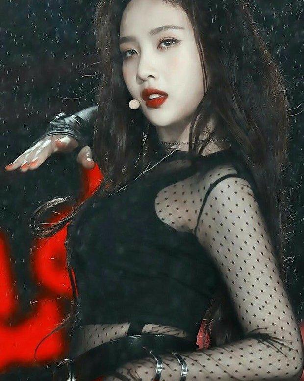 Ngắm body mướt mát của Joy (Red Velvet) qua loạt sân khấu đỉnh cao này chắc fan tiếc lắm, vì giờ cô ấy đã là bồ người ta - Ảnh 17.