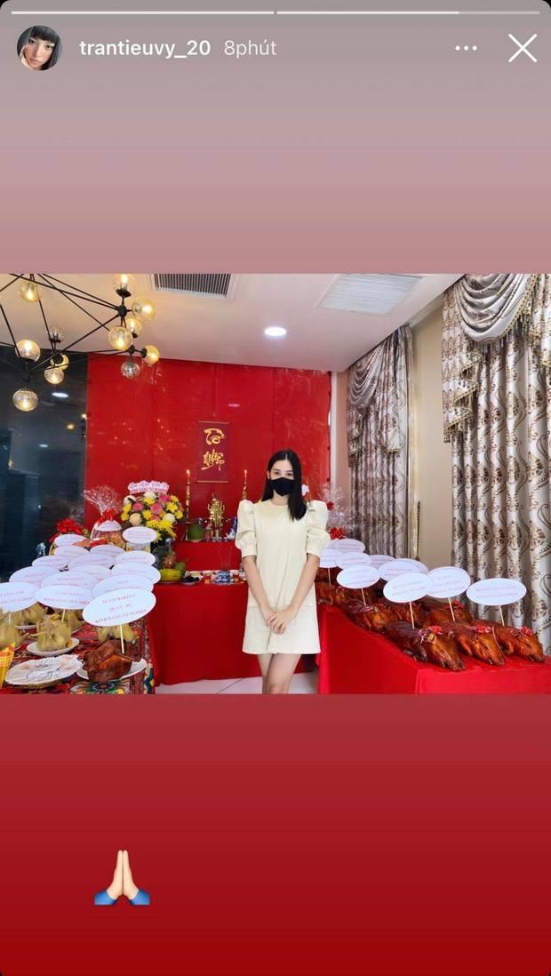 Showbiz Việt ngày Giỗ tổ sân khấu: Lý Hải - Khánh Vân và dàn sao khủng dâng lễ online tại gia, chẳng tụ họp mà cực ấm cúng!  - Ảnh 30.