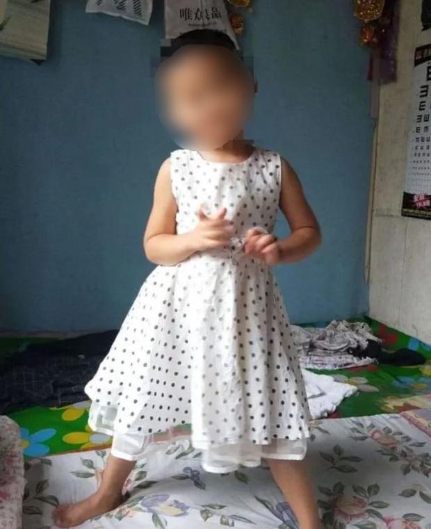 Gã hàng xóm đồi bại cưỡng hiếp bé gái 4 tuổi phải nhận cái kết thích đáng, tình trạng gia đình nạn nhân khiến người ta không khỏi xót xa - Ảnh 2.