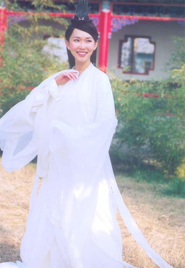 7 nàng Hằng Nga đẹp nhất màn ảnh Hoa ngữ: Mỹ nhân Tây Du Ký không có đối thủ, bất ngờ nhất là nhan sắc của Trịnh Sảng - Ảnh 15.