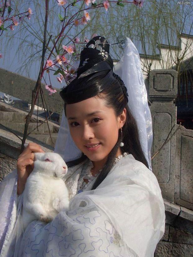 7 nàng Hằng Nga đẹp nhất màn ảnh Hoa ngữ: Mỹ nhân Tây Du Ký không có đối thủ, bất ngờ nhất là nhan sắc của Trịnh Sảng - Ảnh 5.