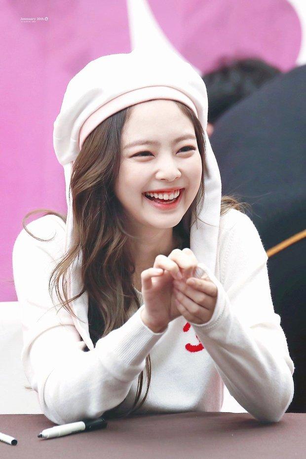 Chuyên gia nha khoa chọn top 3 idol có nụ cười đẹp nhất Kpop: Jennie cười xinh tuyệt đối, V (BTS) bất ngờ bị 1 nam idol vượt mặt - Ảnh 3.