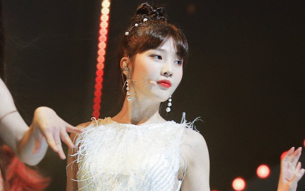 Ngắm body mướt mát của Joy (Red Velvet) qua loạt sân khấu đỉnh cao này chắc fan tiếc lắm, vì giờ cô ấy đã là bồ người ta - Ảnh 32.