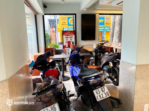Người Sài Gòn cắt cơn thèm cafe nhờ 2 ông lớn Highlands và Katinat mở bán trên app: Cầm ly nước xúc động tưởng xuân đang về! - Ảnh 14.