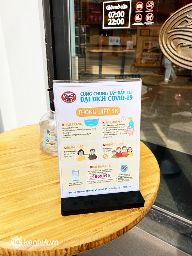 Người Sài Gòn cắt cơn thèm cafe nhờ 2 ông lớn Highlands và Katinat mở bán trên app: Cầm ly nước xúc động tưởng xuân đang về! - Ảnh 15.