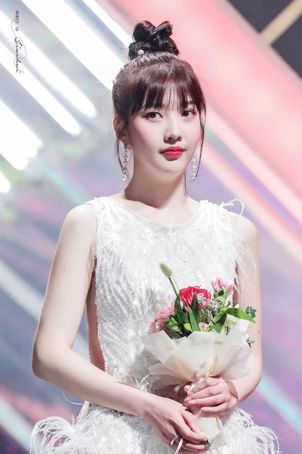 Ngắm body mướt mát của Joy (Red Velvet) qua loạt sân khấu đỉnh cao này chắc fan tiếc lắm, vì giờ cô ấy đã là bồ người ta - Ảnh 29.