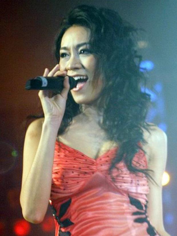 Gây bão với OST Bỗng Dưng Muốn Khóc, cháu gái Lam Trường bỗng biến mất khỏi showbiz, giờ lại tái xuất ở tuổi 38 - Ảnh 6.