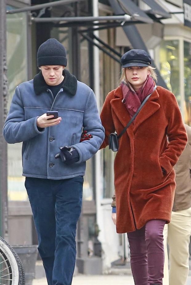 Taylor Swift chán nản vì bạn trai kém 3 tuổi không làm việc này dù hẹn hò 5 năm, định chia tay nếu đằng kia không đả động? - Ảnh 5.