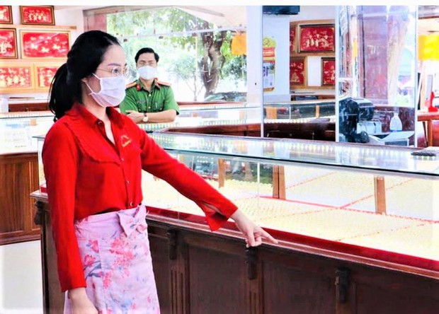 Vụ nữ nhân viên trộm hơn 2.300 nhẫn vàng tại Bình Phước: Tổng số tiền lên đến gần 10 tỷ, tương đương 1 tiệm vàng cỡ nhỏ - Ảnh 1.