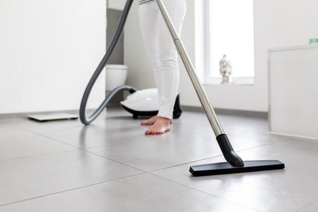 Nhiều nhà đang mắc 7 lỗi này khi vệ sinh phòng tắm, bảo sao dọn dẹp hoài mà vẫn thấy dơ dáy, bốc mùi - Ảnh 7.