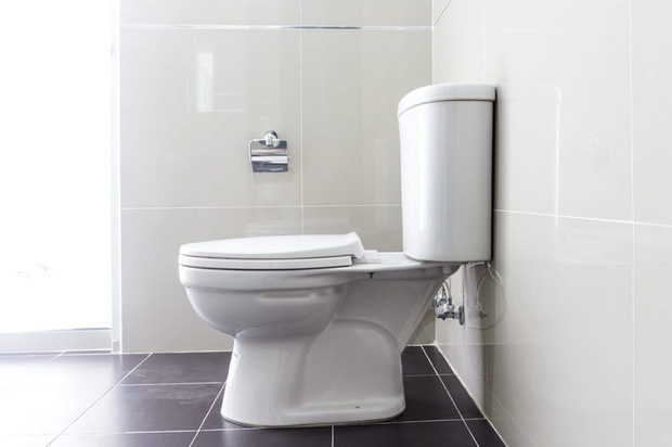 Nhiều nhà đang mắc 7 lỗi này khi vệ sinh phòng tắm, bảo sao dọn dẹp hoài mà vẫn thấy dơ dáy, bốc mùi - Ảnh 9.