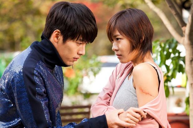 Son Ye Jin - Hyun Bin đều từng phá lệ ở bộ phim của nửa kia: Đóng phản diện hay làm cameo đều nhận cả - Ảnh 3.