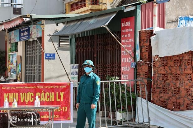Hà Nội phong tỏa 2 khu dân cư liên quan chùm 7 F0 chưa rõ nguồn lây ở quận Long Biên - Ảnh 1.