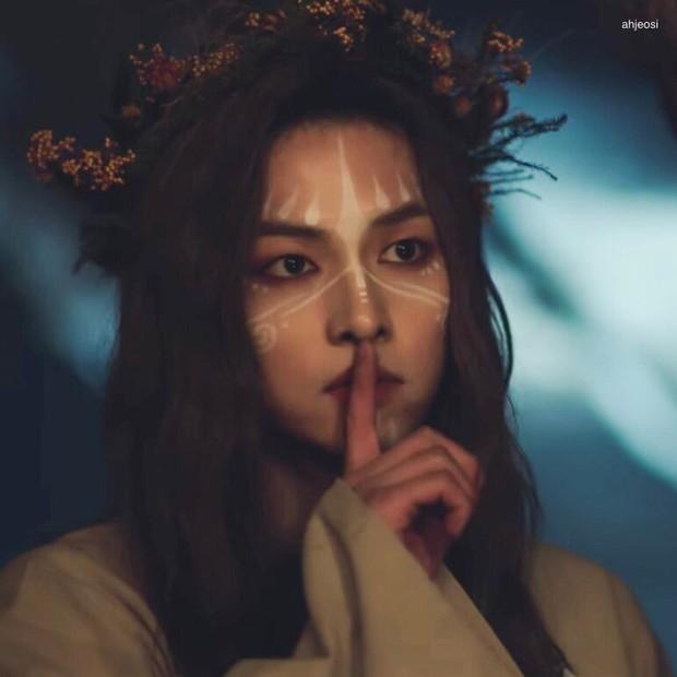 Chào tuổi mới Song Joong Ki với loạt tạo hình phim đẹp đến lịm người: Vincenzo hay anh đại úy mới là chân ái? - Ảnh 11.