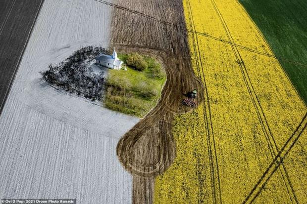 Vẻ đẹp ngoạn mục của những bức ảnh chụp từ máy bay không người lái - Ảnh 12.